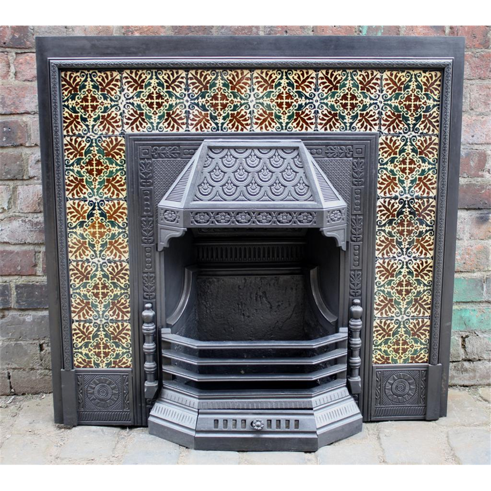 Late Victorian Tiled Grate In Cast Iron