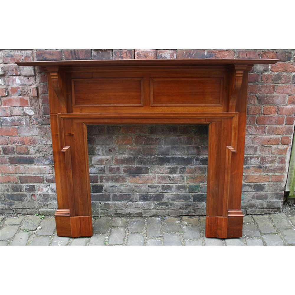 Late Victorian Fire Surround In Walnut Fire Surround - Wood
